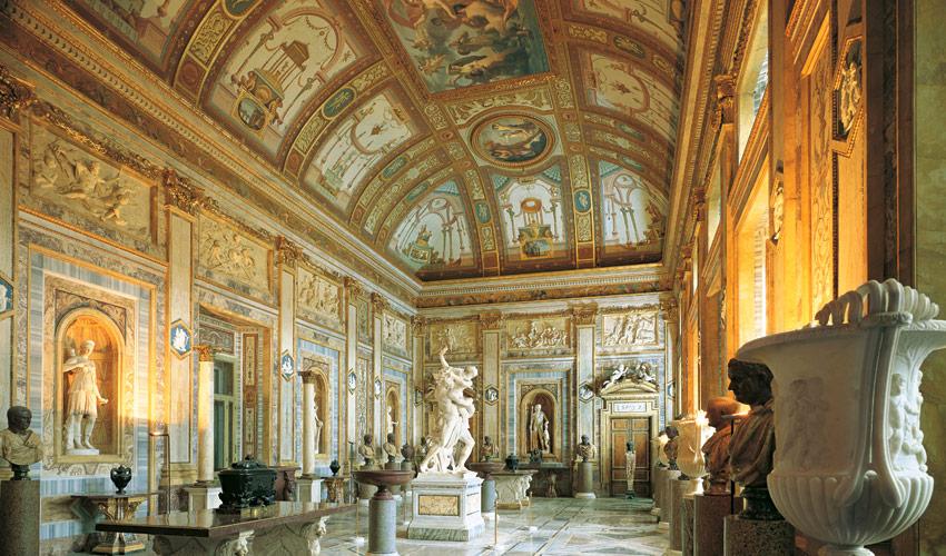 Magnus edizioni ville e palazzi di roma - Arredatori d interni roma ...